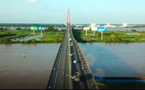 Những chiếc cầu nối đôi bờ sông Hậu