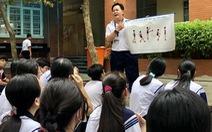 Nỗi khổ học nhiều, vận động ít của học sinh Việt