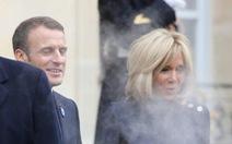 Xe ông Trump thổi um khói ở Dinh tổng thống Pháp