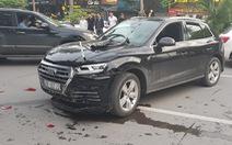 Audi leo dải phân cách đâm Mercedes và 2 xe máy trên phố Hà Nội