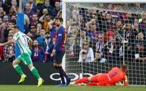 Bí mật cuộc cãi nhau giữa Pique và Valverde trong trận Barcelona thua Betis