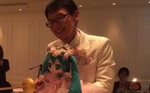 Người đàn ông Nhật bỏ 400 triệu đồng cưới búp bê và sống hạnh phúc