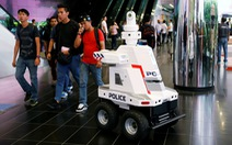 Singapore triển khai robot cảnh sát đi tuần tra