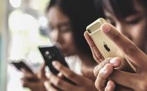 Người Mỹ kiểm tra điện thoại trung bình 52 lần một ngày