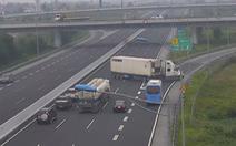 Gửi ảnh xe phạm luật trên cao tốc cho Cục Cảnh sát giao thông