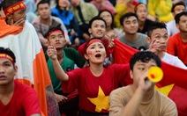 Xem trận VN - Malaysia ở phố đi bộ Nguyễn Huệ