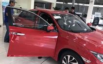 Cấp tập ra mắt xe mới, ôtô kéo nhau hạ giá