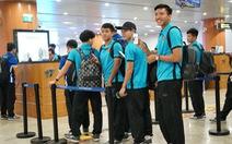 Tuyển VN rời sân bay ở Myanmar bằng cửa VIP