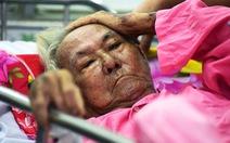 Cụ ông một mình nằm cấp cứu gần tuần ở Chợ Rẫy