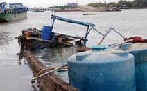 Thuyền chứa 26 tấn hóa chất chìm xuống sông Đồng Nai