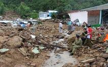 Sạt lở đất ở Nha Trang làm 13 người chết và mất tích