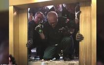Thang máy rơi tự do hơn 80 tầng mà không ai bị thương