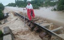 Tuyến đường sắt Bắc - Nam thông suốt sau nhiều giờ tê liệt