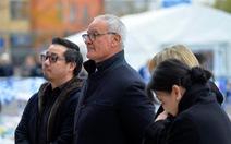 HLV Ranieri xúc động khi đến viếng cố chủ tịch Vichai