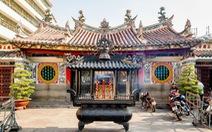 """Giới thiệu sách, phim tiếng Anh và tiếng Hoa """"Tự hào Di sản Văn hóa Quận 5"""""""