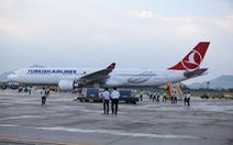 Hành khách bị từ chối nhập cảnh đã rời Tân Sơn Nhất
