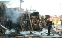 Cháy xe bồn chở xăng, 6 người chết, 19 ngôi nhà cháy rụi