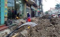 Chỉnh trang đô thị làm vỡ đường ống, gần trăm hộ dân mất nước