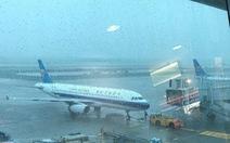 Sài Gòn mưa lớn, hàng không vẫn bay bình thường