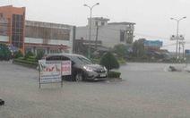 Phú Yên: lũ ngập quốc lộ 1, cô lập nhiều nơi
