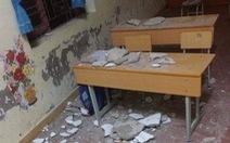 Đang học, vữa trần nhà rớt cả tảng, 3 học trò lớp 1 cấp cứu