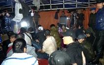 Hàng trăm con bạc từ các tỉnh dựng lều, cắm trại sát phạt ở Phú Yên