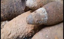 Phát hiện gần 1.000 đầu đạn, bom trong ngôi nhà hoang