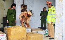 Bắt giữ xe khách Lào chở 2,5 tấn nội tạng không rõ nguồn gốc