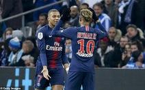 Neymar dạy Mbappe nhảy Floss Dance