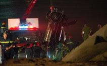 Tiếp tục tìm kiếm nạn nhân vụ ôtô rơi xuống sông Hồng