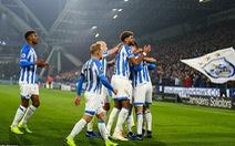 Fulham 'tặng' Huddersfield trận thắng đầu tiên trong mùa
