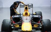 Siêu xe đua F1 xuất hiện tại Hà Nội