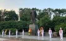 Lãnh đạo TP Hà Nội dâng hoa tưởng niệm V.I.Lênin