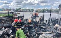 Cháy cạnh chợ nổi Cái Răng, 4 căn nhà bị thiêu rụi