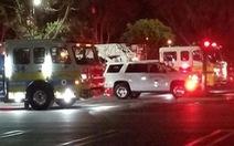 Bom khói, xả súng tại quán bar ở California, ít nhất 12 người chết