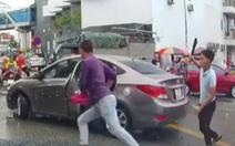 Điều tra vụ một người cầm dao đuổi chém tài xế ôtô