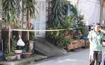 Một người đàn ông chết cháy trước cửa nhà