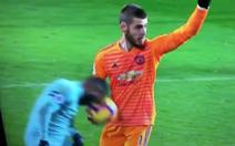 Vì sao không công nhận bàn thắng cướp bóng trong tay thủ môn De Gea?