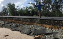 Quảng Nam: Dứt mưa nhưng quốc lộ 1 vẫn ngập sâu
