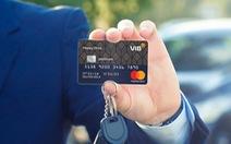 Thẻ tín dụng trở thành 'con gà đẻ trứng vàng'
