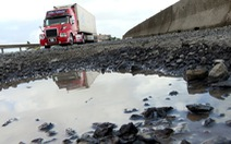 Để quốc lộ 1 hỏng nặng kéo dài là thiếu trách nhiệm, vô cảm