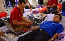 Người hiến máu tình nguyện sẽ được tặng các gói xét nghiệm
