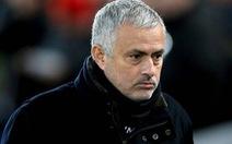 Manchester United sa thải Mourinho