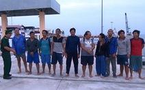 Ngư dân Việt Nam cứu sống 10 thuyền viên nước ngoài