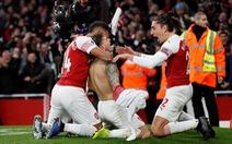 Arsenal thắng nghẹt thở Tottenham 4-2 sau cuộc rượt đuổi tại Emirates