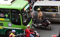 Luật giao thông và luật đời