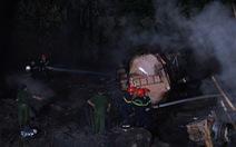 Xe bồn rơi xuống vực thành mồi lửa cháy rừng Hải Vân