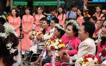 50 cặp đôi khuyết tật hạnh phúc trong lễ cưới tập thể