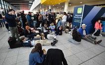 Anh bắt 2 người liên quan vụ máy bay không người lái ở sân bay Gatwick