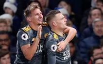 Vardy 'nổ súng', Leicester hạ gục Chelsea tại Stamford Bridge